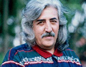حسین منزوی از بیوگرافی تا شعر زیبای شکوفه های هلو!