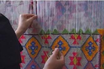 سرانداز هنر زیبای گلیم بافی روستایی و عشایر نشین ها