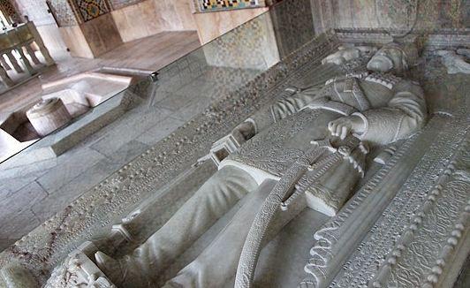 ماجرای داستان تاریخی سنگ قبر ناصرالدین شاه را بخوانید!+عکس