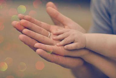 ساسان کوچکی و شعر خواندنی مهر مادر عشق پدر!