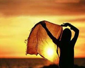 علی فردوسی و شعری زیبا به نام «تا بیفتد روسریت از سر، مشقت می کشند»!