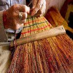 کولوشی جارو که از ساقه برنج ساخته می شود!