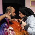 کل کل بین زن و شوهر بر سر فوتبال در صحنه تئاتر!