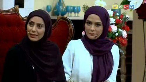 مونا فرجاد و خواهرش