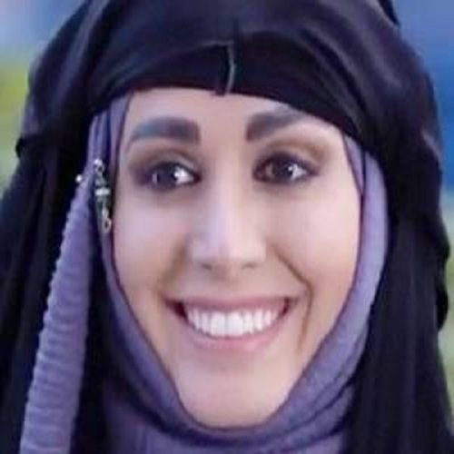 بوسه لیلا اوتادی بر صورت آن ماری سلامه بازیگر لبنانی