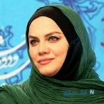 نرگس آبیار با پوششی خاص در حرم امام رضا