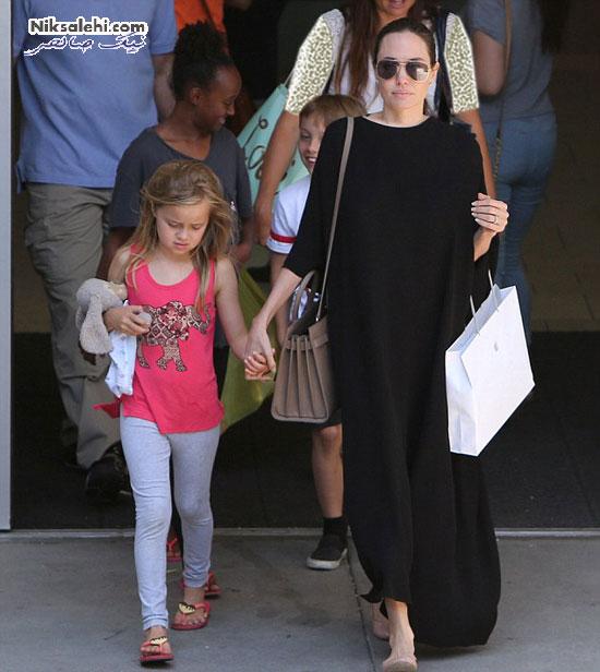 آنجلینا جولی و سه فرزندش درپاساژی در لس آنجلس