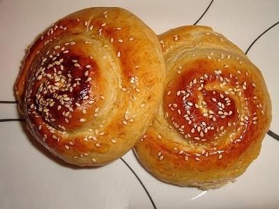 طرز تهیه نان شیرین مخصوص صبحانه و عصرانه! عکس