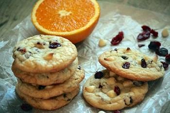 شیرینی کشمشی را با طعم پرتقال بپزید! عکس