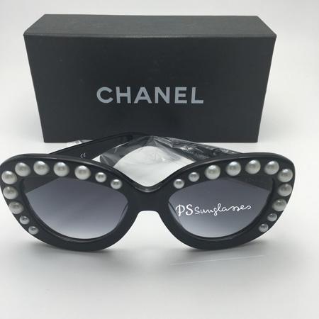 تبدیل عینک های ساده به عینک های تزیین شده مارکدار