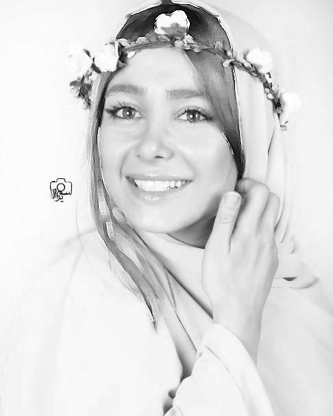عکسهای آتلیه ای و جدید الناز حبیبی با تاجی از گل! تصاویر