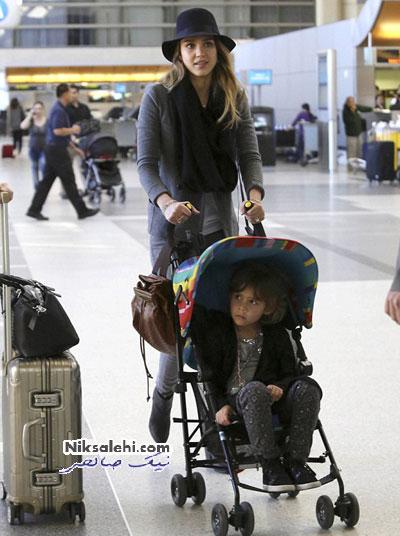 شیوه بانمک جسیکا البا برای حمل دختر 4 ساله اش