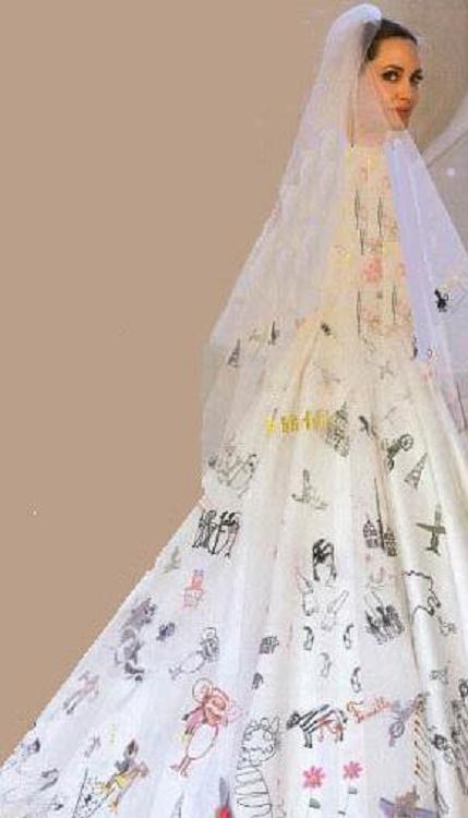 لباس عروس عجیب آنجلینا جولی  عکس