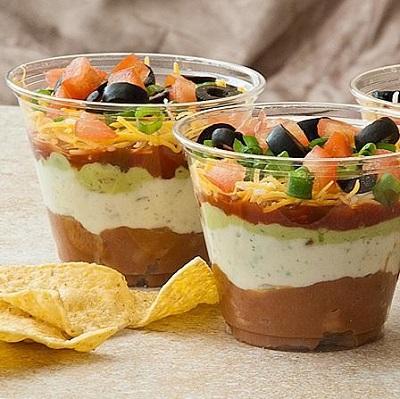 طرز تهیه خوراک لوبیا به سبک مجلسی با سس هفت لایه! عکس