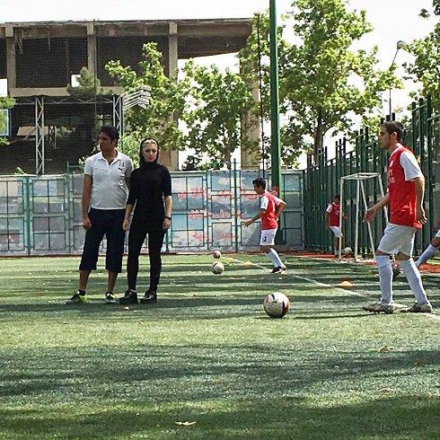 تیپ همسر سپهر حیدری در آکادمی فوتبال! تصاویر