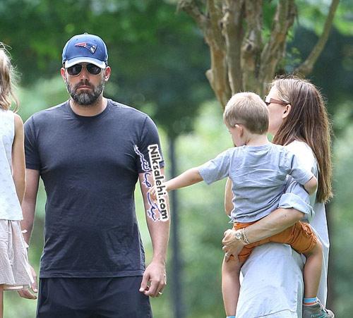 زوج مشهور هالیوودی پس از جدایی به همراه فرزندانشان