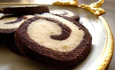 طرز تهیه شیرینی کوکیز دو رنگ برای سال نو! عکس