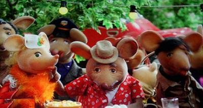 کپل و همسرش در شهر موش ها 2! عکس
