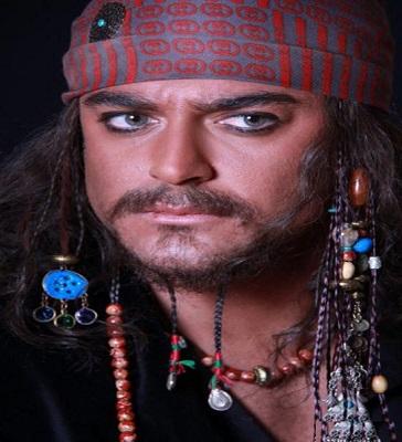 تقلید محمدرضا گلزار از هنر پیشه هالیوود! عکس
