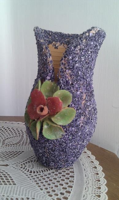تزیین گلدان با تکه های تخم مرغ  تصاویر