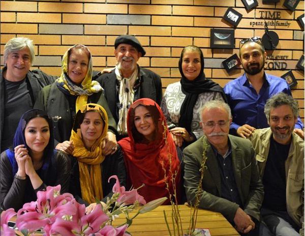 جشن تولد بازیگر زن کشورمان با حضور هنرمندان در یک کافه