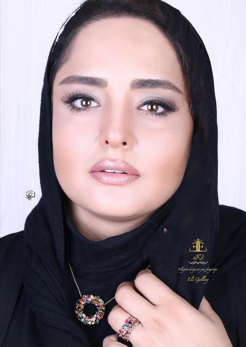 فعالیت نرگس محمدی به عنوان مدل تبلیغاتی یک گالری طلا و جواهرات