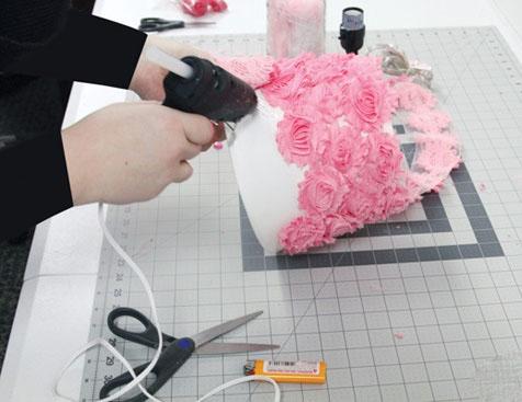 یک آباژور زیبا با وسایل دور ریختنی بسازید