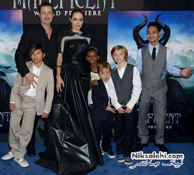 آنجلینا جولی و برد پیت و فرزندانشان در افتتاحیه فیلم