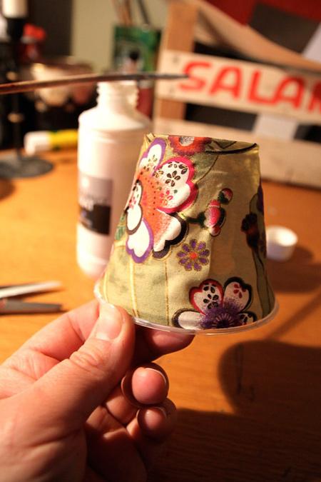 ساخت آویزهای نورانی با لیوان یکبار مصرف
