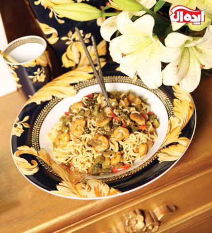 طرز تهیه دو نوع غذا با «میگو و نودل»