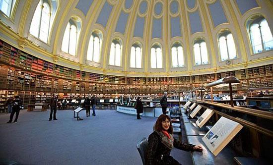 باشکوه ترین کتابخانه های جهان که توریسم جذب میکنند تصاویر