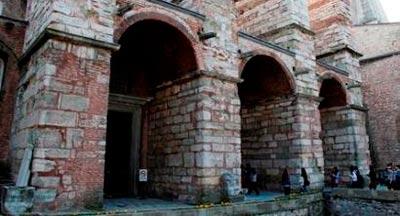 کلیسای زیبای ایاصوفیه، باارزش ترین اثر باقی مانده از دوره بیزانس تصاویر