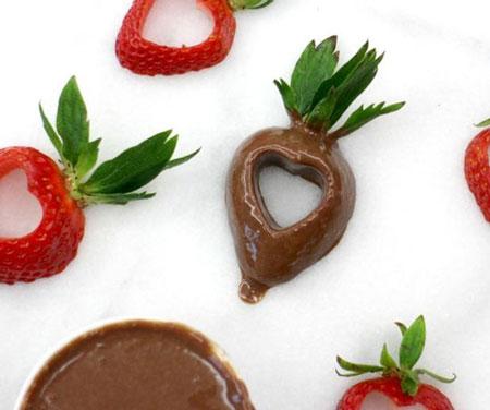 آموزش تهیه توت فرنگی های شکلاتی خوشمزه