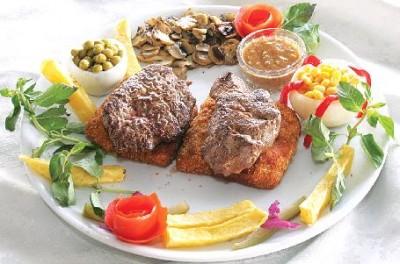 غذای فرانسوی تورندو با سس گشنیز و ترخون