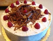 کیک بادام با خامه بسیازر خوشمزه و زیبا