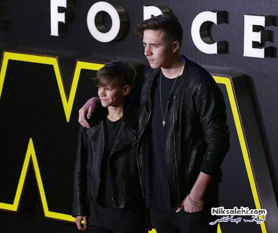 پسران دیوید بکهام با کت های چرم در افتتاحیه فیلم جنگ ستارگان
