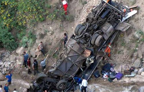 واژگونی اتوبوس گردشگران در جاده چالوس