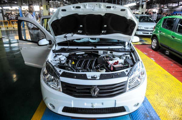 رنو ساندرو رسما توسط پارس خودرو به همراه قیمت معرفی شد  تصاویر