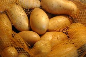 با این ترفند سیب زمینی های شما تا مدت بسیار زیادی سالم میماند