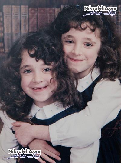 خواهران دوقلویی که همانند تصویر آینه برعکس یکدیگرند
