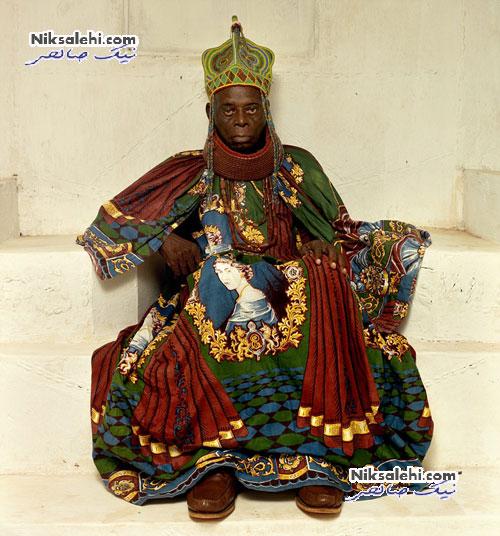 تصاویر جالبی از پادشاهان یک کشورآفریقایی با لباس های رنگی
