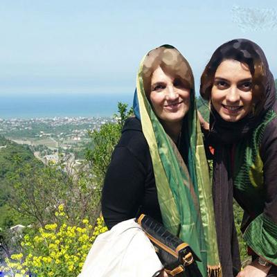 الیکا عبدالرزاقی و مادرش عکس