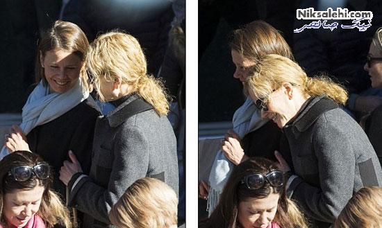 نیکول کیدمن و خواهر کوچکش در صف رای گیری