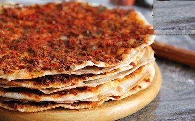 طرز تهیه پیتزای خوشمزه و متفاوت ترکیه ای