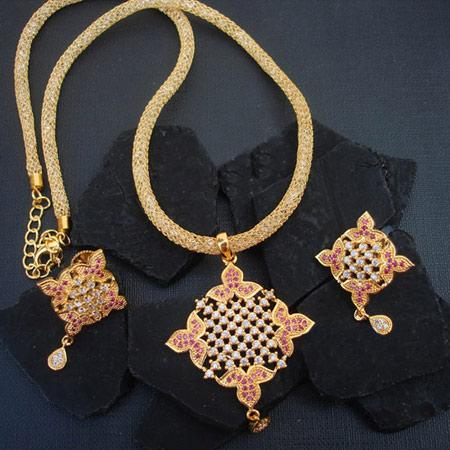 مدل جواهرات زیبای MAGHA STORE