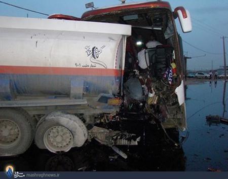 تصاویر دردناکی از تصادف اتوبوس با تانکر سوخت