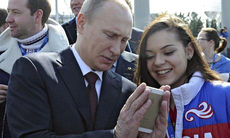 مشهورترین افراد جهان از چه مدل گوشی هایی استفاده میکنند؟ تصاویر