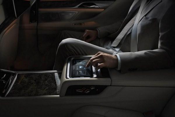 عکس های خودروی ب ام و سری ۷ مدل ۲۰۱۶  مشخصات