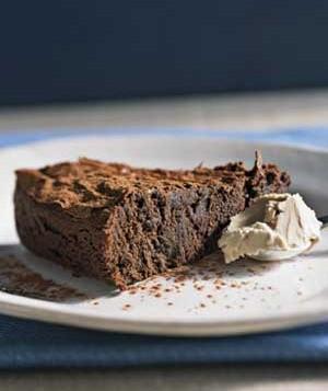 کیک شکلاتی نیمه شیرین ، مناسب رژیمی ها! عکس