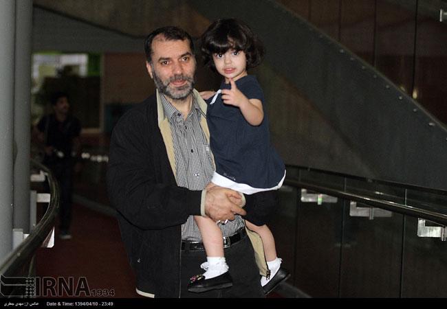 مسعود ده نمکی و دخترش در یک جشن